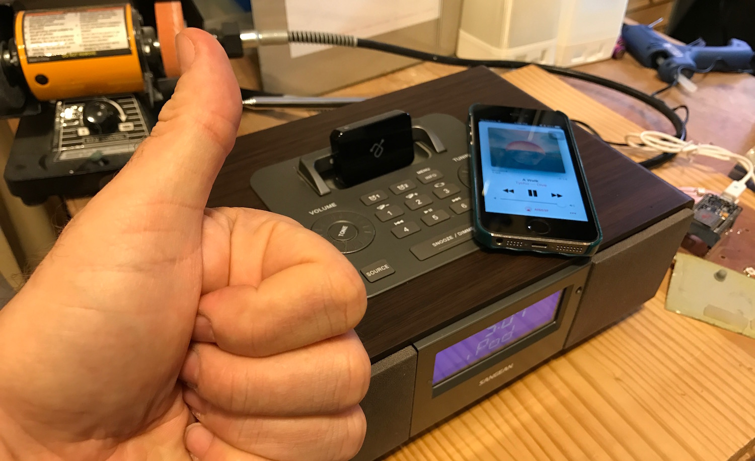 New uses for old iPod 30-pin dock devices: Bluetooth Boombox